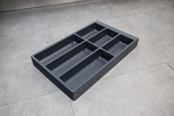 Työpöytä sivutasolla ja laatikostolla, kiiltävän valkoinen GLASSY